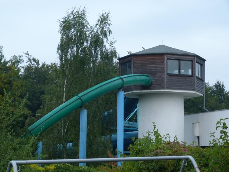 Schwimmbad rengsdorf rutsche schwimmbadtechnik for Schwimmbad herzogenaurach
